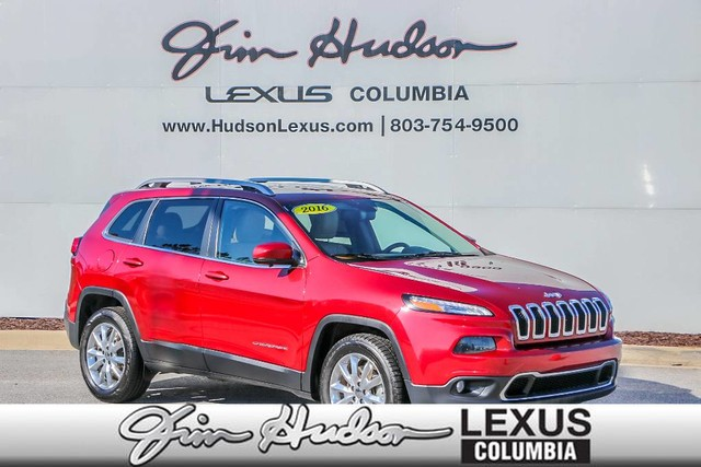 Pre-Owned 2016 Jeep Cherokee 8.4-Inch Touchscreen Display, Bluetooth, Heated Front Seats, Rem