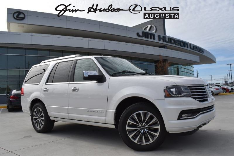Pre-Owned 2016 Lincoln Navigator Sunrrof/rear captains