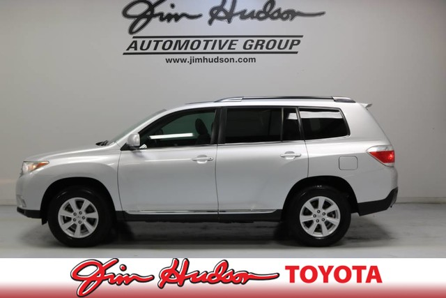 Pre-Owned 2012 Toyota Highlander SE SPECIAL EDITION