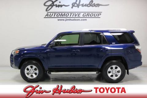 Pre-Owned 2017 Toyota 4Runner SR5...ENTUNE PREMIUM AUDIO W/INTEGRATED NAVI